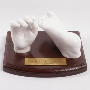 3D odlew rączki i stopy dziecka w wieku 0-1 lat.