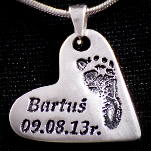 Średnie serce przywieszka srebro z odciskiem stópki + imię